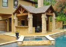 Swimming-pool-with-spa-and-patio-cover