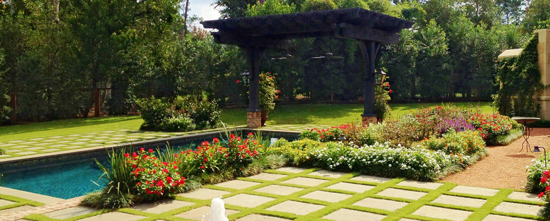 Houston landscape photos spring outdoor living the for Outer image design